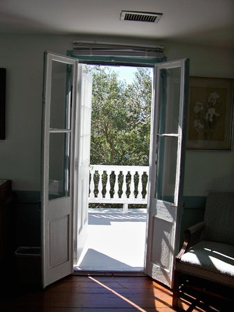 Antebellum Bed and Breakfast at Thomas Lamboll House: Walking out onto the rooftop