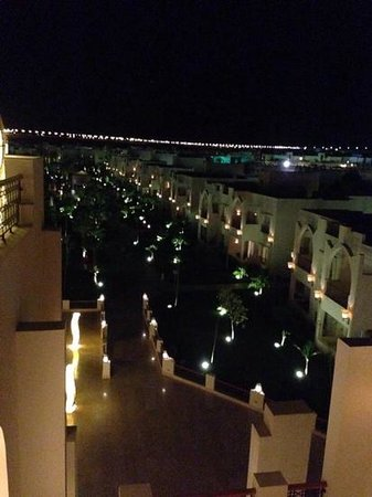 Le Royal Holiday Resort: view from sky bar on a night