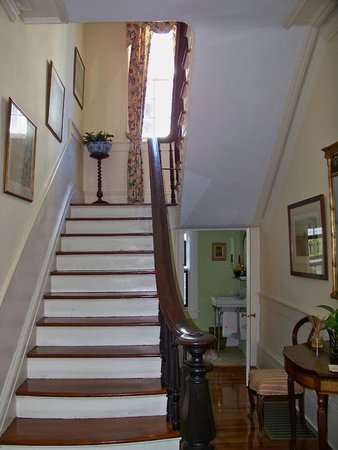 Antebellum Bed and Breakfast at Thomas Lamboll House: The daily three flights of stairs
