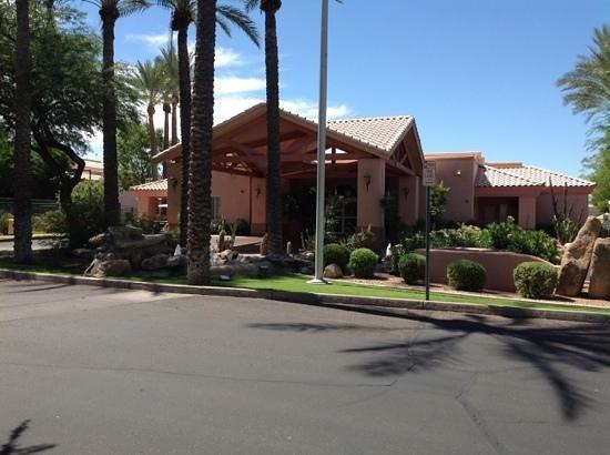 Scottsdale Villa Mirage: front entrance