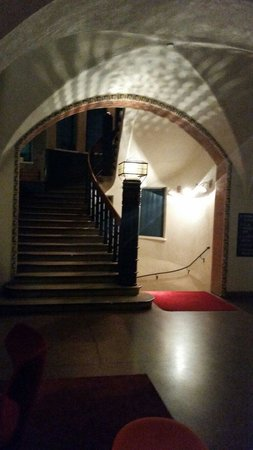 GLO Hotel Art: Stairway