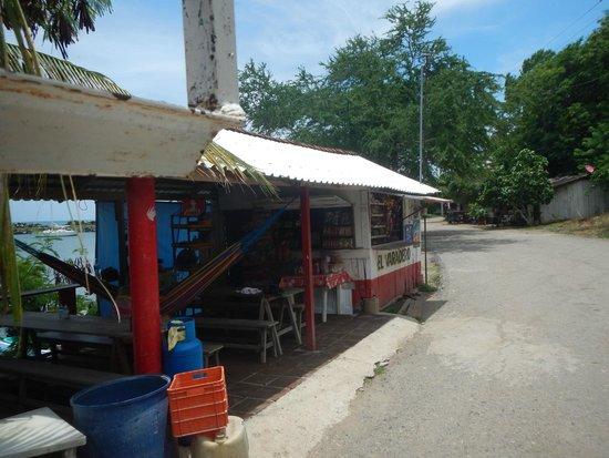 Bahia La Tortuga Fishing Lodge: Town pic