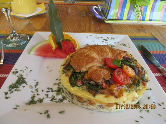 Across the Harbour Bed and Breakfast: Breakfast
