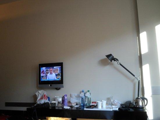 Perla Hotel: El tamaño del televisor es ridículamente pequeño