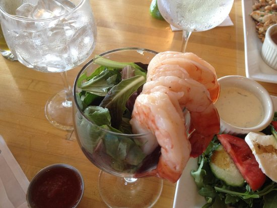 Hurricane Restaurant: Big shrimp cocktail