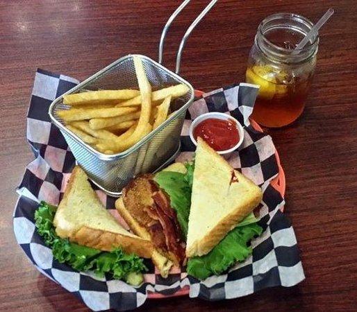 Firefly Cafe: Fried green tomato BLT