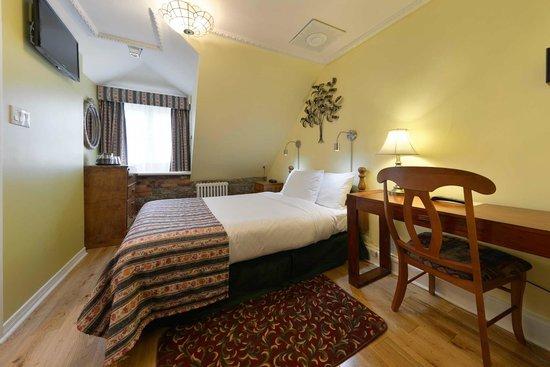 Manoir de L'Esplanade: Deluxe Room with Double Bed