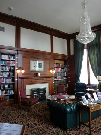 Union Club British Columbia: Presidential Library