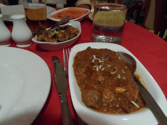 Lal Qila Indian Restaurant: Agneau Chili massala + aubergine