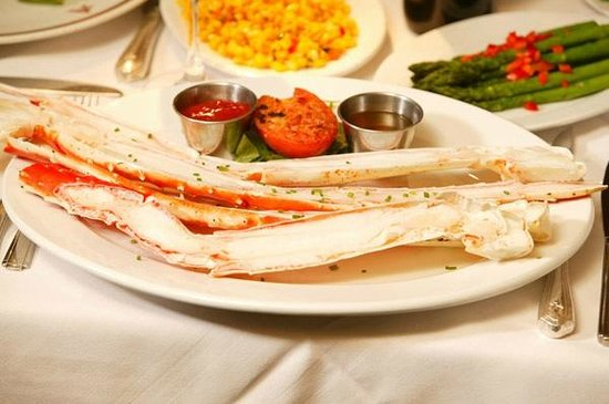 Arroyo Chop House: Crab legs