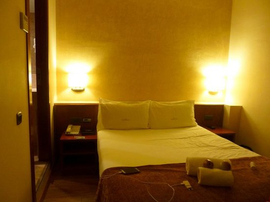 Hotel Acta Splendid : double room - nice but too small