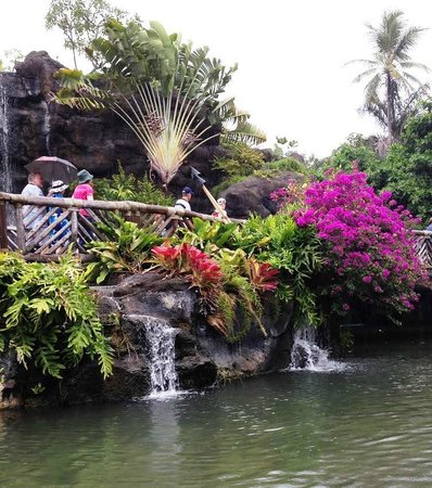 Polynesian Cultural Center: Beautiful landscaping