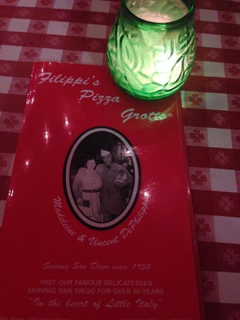 Filippi's Pizza Grotto : Nice atmosphere