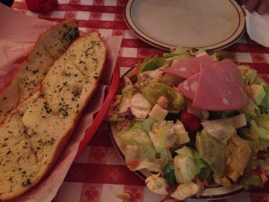 Filippi's Pizza Grotto : Big portions to share