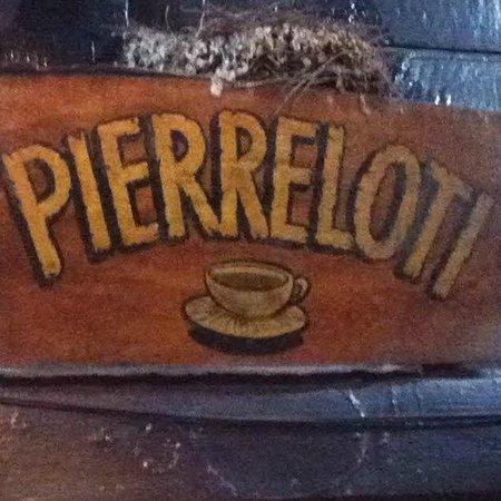 Pierre Loti Cafe : cartel