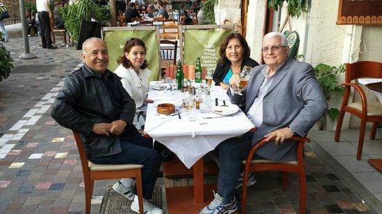 Restaurante Metrô na Praça Monastiraki