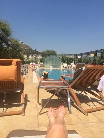 Hotel Grande Bretagne, A Luxury Collection Hotel: Pool time. :) Amazing!