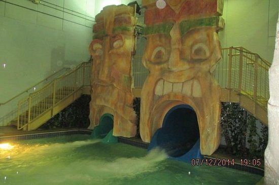 Edgewater Hotel & Waterpark: Tubes
