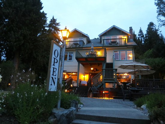 Chasters Restaurant : situated off the beaten path on the waterfront in Gibson's