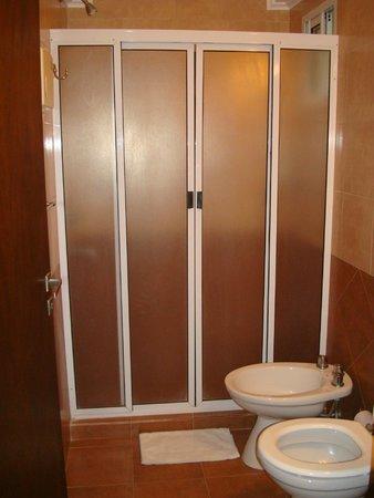 VerdeSolaro Suite Spa: ducha