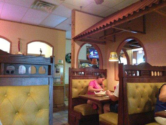 Puerto Vallarta Mexican Restaurant: Interior