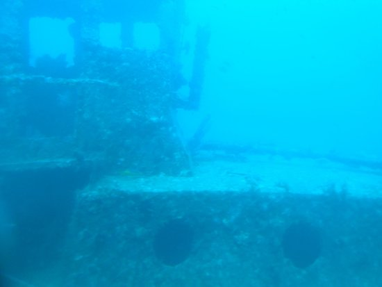 De Palm Tours: Atlantis Submarines Expedition: One of the wrecks.