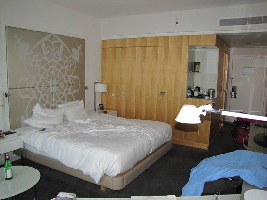 Clarion Hotel Copenhagen Airport : bed