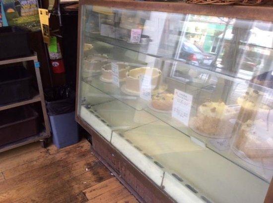 Amy's Bakery Arts Cafe : case