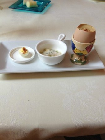 L'Auberge Provencale Bed and Breakfast: Elegant chef's appetizer