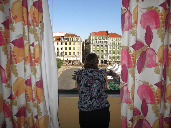 Pensao Praca da Figueira: View out our window
