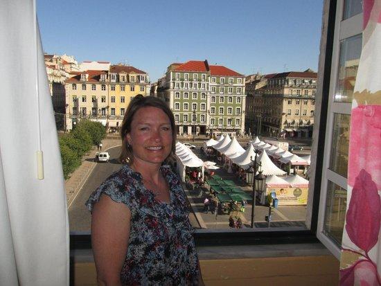 Pensao Praca da Figueira: View our our window