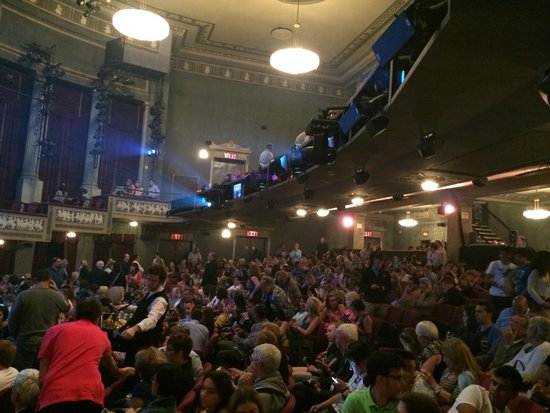 Mamma Mia! on Broadway: Teatro do Mamma Mia