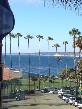 Stella Italianfare La Jolla: View from our table on the balcony