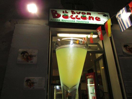 Il Buon Boccone : Awesome Pizza and Limoncello