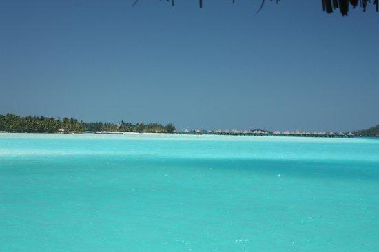 The St. Regis Bora Bora Resort : on the way to the hotel