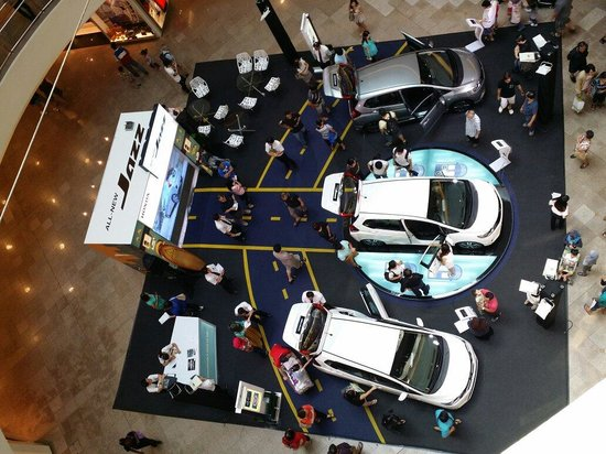 Mid Valley Megamall: #honda car promotion & amazingly i witnessed many serious buyers of cars..