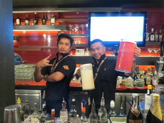 Hard Rock Cafe Bangkok : 2014 Thailand Bangkok Hard Rock Cafe Bartenders