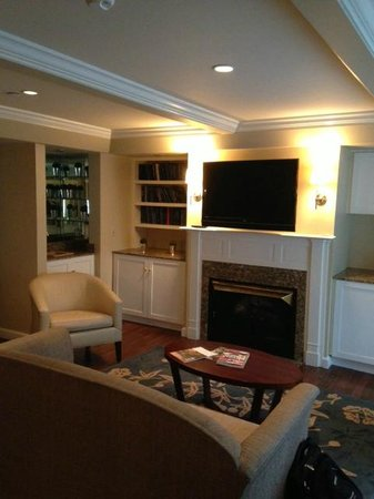 The Equinox Golf Resort & Spa : Inside of family room