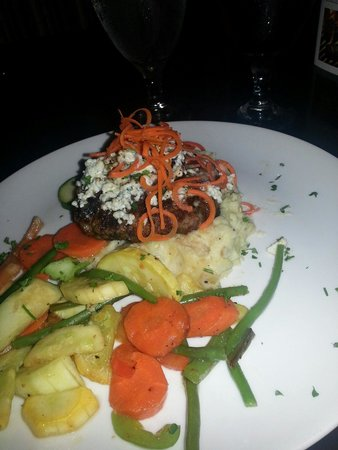 Hensleys Top Shelf Grill: Grilled chopped steak, smothered in mushrooms, onions and gorgonzola cheese, topped with fried c