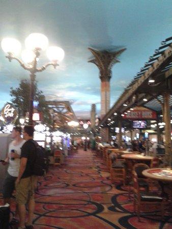 Paris Las Vegas: Area de casino