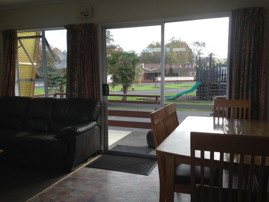 Whanganui River Top 10 Holiday Park: Self-Contained Unit