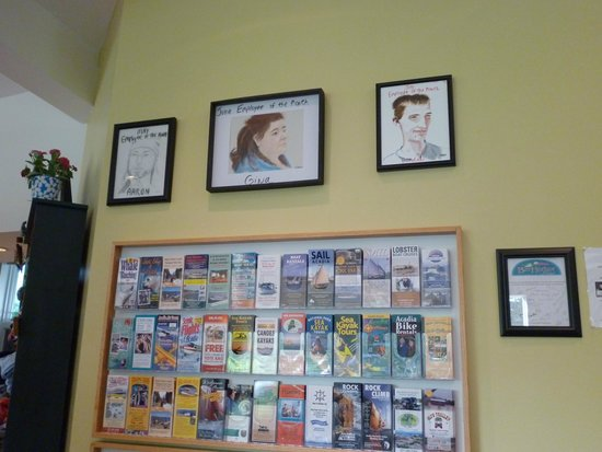 Bar Harbor Motel: Employee of the month drawings!