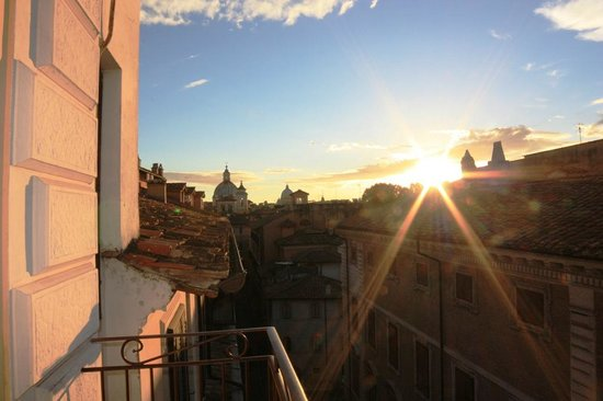Hotel Genio : Our view from our room. I could watch the sunset from this balcony everyday.