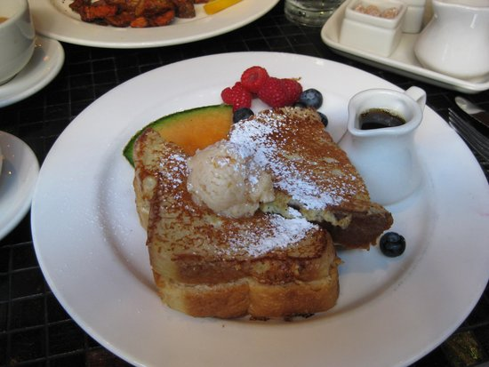 Mayflower Park: Best French Toast Ever