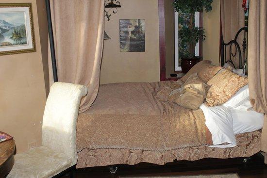 Crews on INN: bedroom