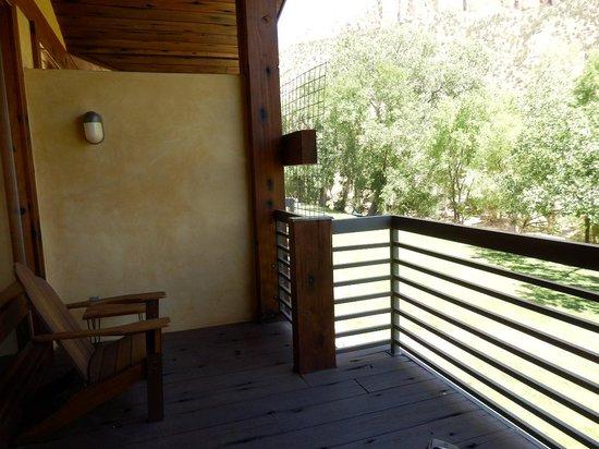 Desert Pearl Inn: Huge Balcony