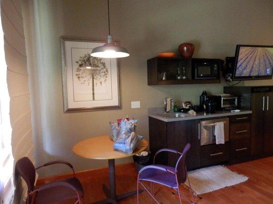 Desert Pearl Inn: Riverside Suite