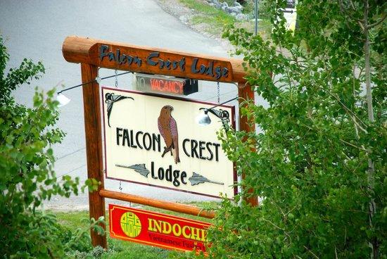 Falcon Crest Lodge by CLIQUE : Banner