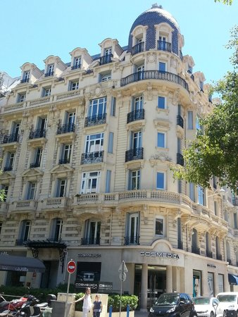 La Villa Nice Victor Hugo : outside
