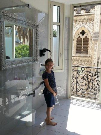 La Villa Nice Victor Hugo: bathroom